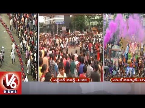 Ganesh Immersion 2018 | Train Ganesha Idols Attract People At Tank Bund | V6 News