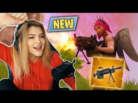THE NEW LIGHT MACHINE GUN & TROLLING TEAMMATES! (Fortnite: Battle Royale) | KittyPlays
