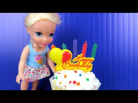 Elsa's BIRTHDAY party ! Elsa and Anna toddlers party with friends - Surprise Gifts - Cake