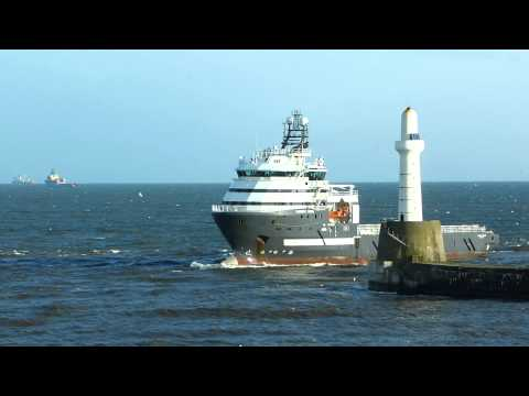 Olympic Orion entering Aberdeen Harbour