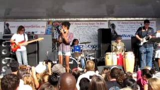 "Syesha & ""Not from Here"" perform Umbrella @ Giving Hunger the Blues"