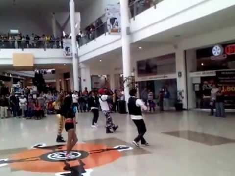 Bailes plaza ciudad jardin youtube for Cd jardin nezahualcoyotl