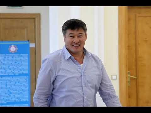 Болат Назарбаев защищал всем своим потом певца от Даулета Турлыханова