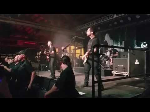 Rise Against - Wolves live in Chicago 4/22/17