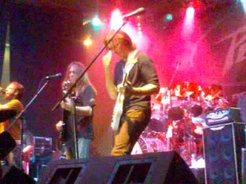 nicko mcbrain and steve vai - the trooper - london music exhibition 06 2009