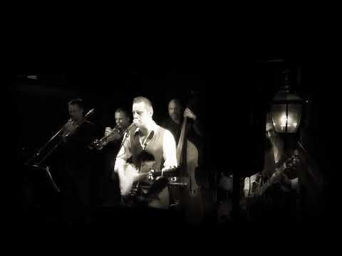 Sami Heinonen & Mustaruukku (Live) - Vippaa mulle viitonen