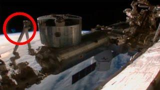 INCREÍBLE VÍDEO DE LA NASA, CORTA EMISIÓN EN VIVO POR AVISTAMIENTO OVNI - EXTRE MISTERIOS