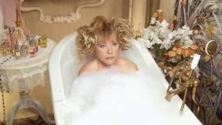 67-летняя Алла Пугачёва снялась голой в ванной