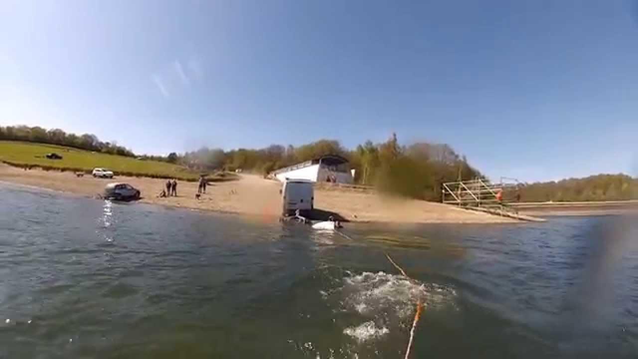 Journ e en jet ski entre potes aux lacs de l 39 eau d 39 heure for Meuble de l eau d heure