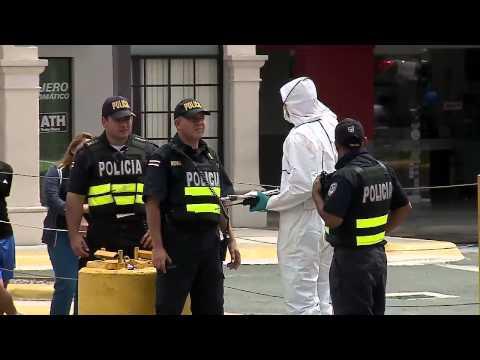 Asesinan a mensajero a la salida de un centro comercial en Zapote