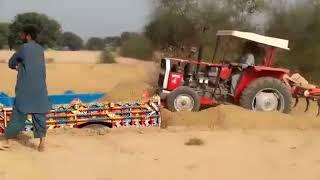 Pakistan tractors trolley loading