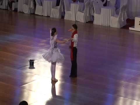 Light Up The Floor - Sebastian & Veronika - Show Dance - La Classique Du Quebec 2014