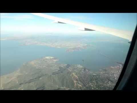 Boeing 787 Dreamliner landing at Oakland airport (San Francisco)