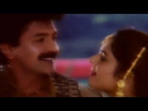 Aavesham || Muddoyamma Muddu Video Song || Rajasekhar, Nagma, Madhu Bala