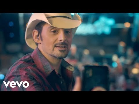 Bill Reed - Brad Paisley takes on the bull..and it ain 't pretty!