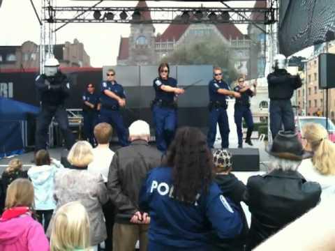 Rainer Rehn The Greatest Police Dancers Poliisin päivä Helsinki 2010