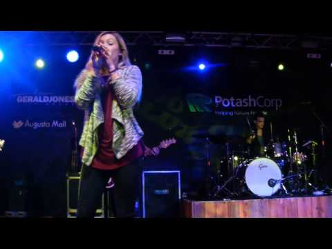 Maddie & Tae-The Country Club-Part 1-Jan 15,2015