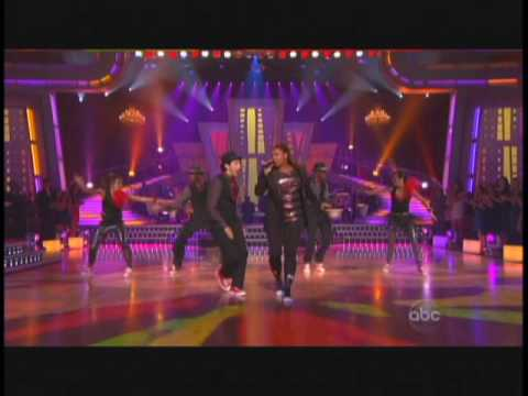 DWTS -Queen Latifah Ease on Down the Road