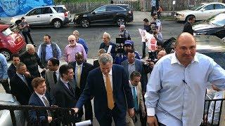 Ο Δήμαρχος Νέας Υόρκης Μπιλ ντε Μπλάζιο στην Ομοσπονδία Ελληνικών Σωματείων