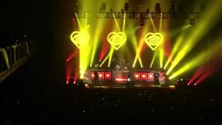 All Time Low - Kicking N Screaming (Live @ Shrine Expo Hall Oct.23rd 2015).