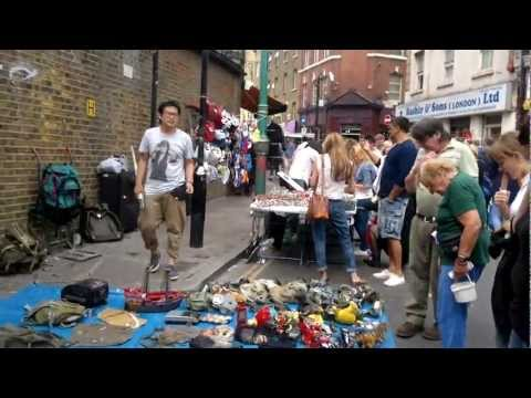 Sunday Market in Bricklane(Aldgate east - London)