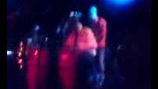 Mister Okey i Bananrepubliken - Bongo gifter sig