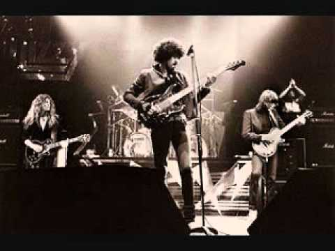 Thin Lizzy - Dancing In The Moonlight [studio version] mp3