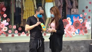 Dùng Phép Thuật biến ra Khẩu Trang tặng mọi người | Magic Producing Facial Masks