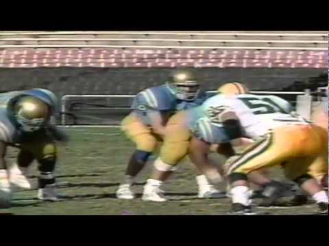 Oregon safety Chad Cota breaks up a deep pass vs. UCLA 11-16-1991