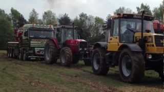 Oswestry Truck Show 2012, Fastrac and Massey pulling recovery Truck