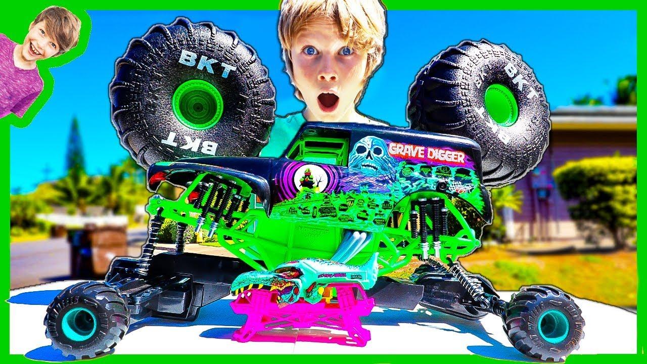Putting Tiny Monster Truck Tires On Giant Rc Monster Truck Youtube