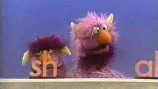 "Classic Sesame Street - The 2-headed Monster ""SHAKE"""