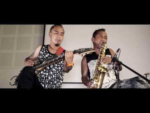 sadhai sadhai- mantra band