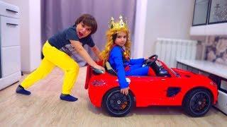 - Аминка НЕ ХОЧЕТ ИГРАТЬ в BEYBLADE Для детей kids children