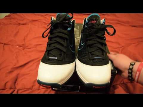 New Pick up!! Lebron 7 red carpet & they're already separating.
