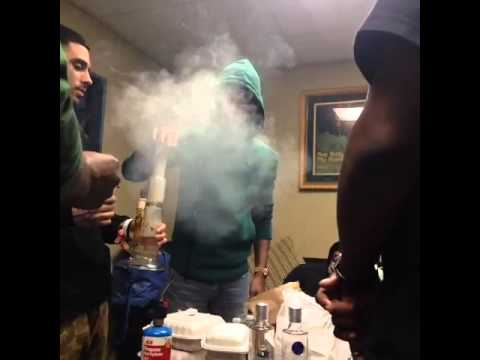 (Rare Video) Kid Cudi Smoking A Dab