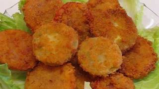 Betty's Deep-fried Green And Ripe Tomatoes