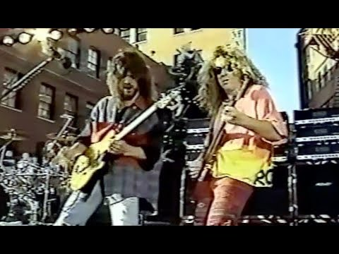 Van Halen - Dallas Free Show 1991