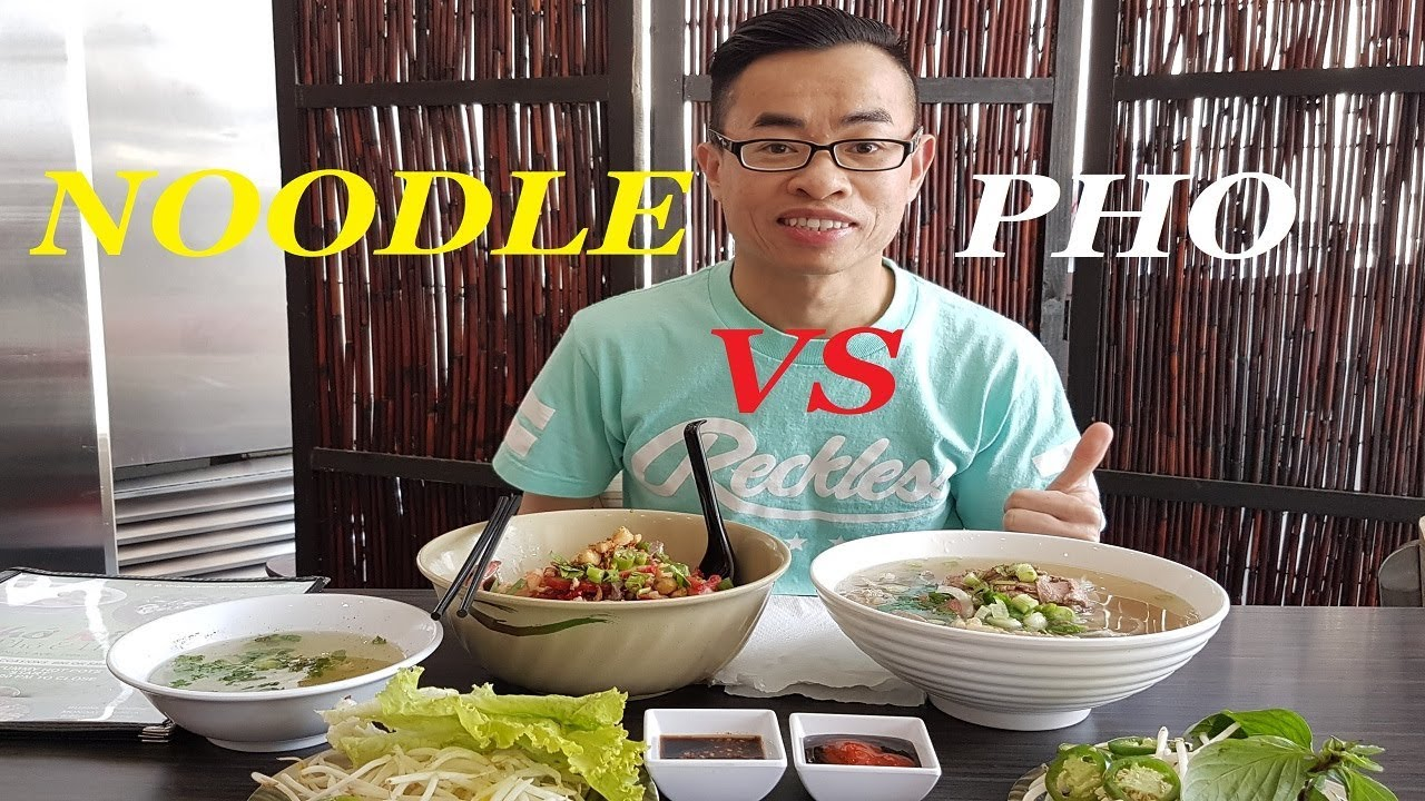 DELICIOUS OX TAIL PHO & DRY NOODLES!