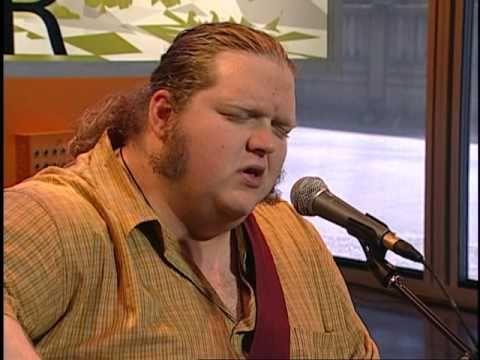 Matt Andersen performs on Urban Rush