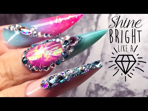 DIAMOND 💎 SHAPED NAIL SCULPTED IN ACRYLIC WITH MYLAR FACETS 💎