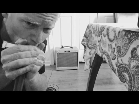 How Do A Mic And Amp Change The Sound Of A Harmonica?
