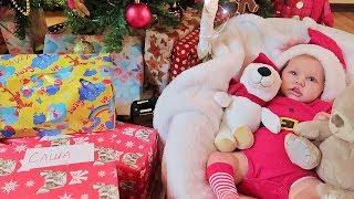 Куклы Пупсики Реборн получает и открывает Подарки Игрушки на Новый год 2018 и Рождество Зырики ТВ