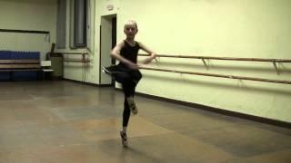 Amazing FOUETTES. SOLO CHARDASH. 8 age spanish ballerina!!