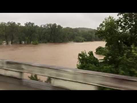 #Harvey flooding Colorado River at La Grange - YouTube