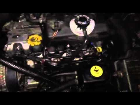 Chrysler Voyager 2.5 TD Zajcsökkentő Doboz berakása után motorhang