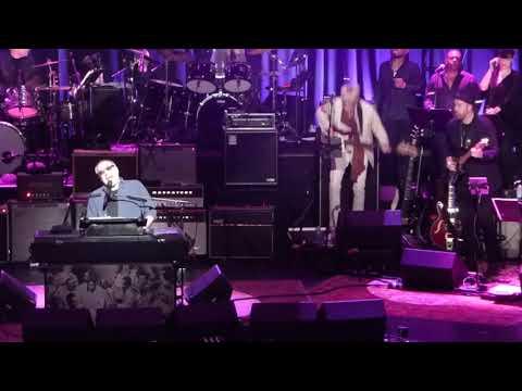 Love Rocks ft Donald Fagen ~  Reelin' In The Years 3-15-18 Beacon Theatre, NYC