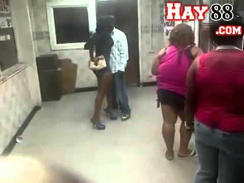 2 vợ chồng da đen đánh lộn tếu vãi