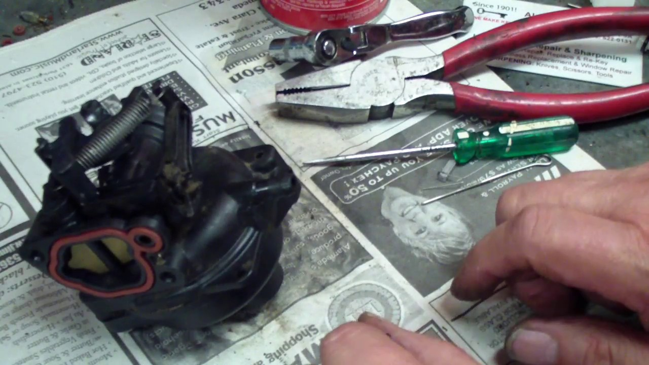 Briggs and Stratton Black Plastic Carburetor, How to  Lawnmower repair