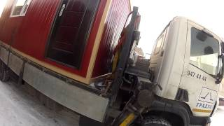 Перевозка бытовки краном-манипулятором HMF(Санкт-Петербург. Компания Градус. Манипулятор HMF 4720 на шасси Scania P380. http://www.9474444.com., 2013-08-18T15:51:04.000Z)